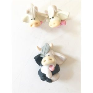 Jewelry - Cute cow pin and earrings